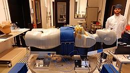 MARE-Phantom Helga: Vibrationstest am DLR Bremen. (Bild: DLR)